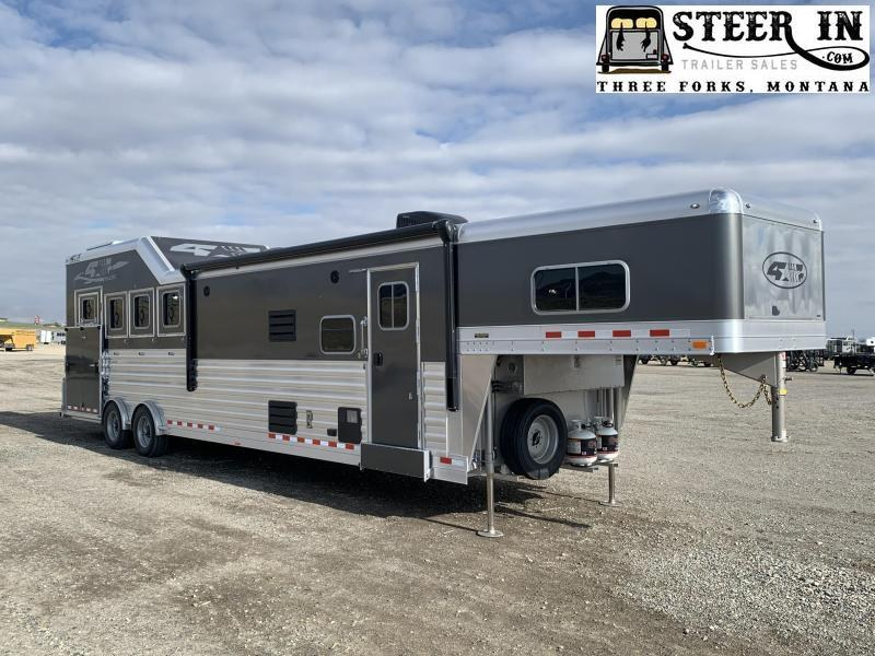 "2022 4-Star Trailers 4H Deluxe 13'8"" SW TrailBoss Horse Trailer"
