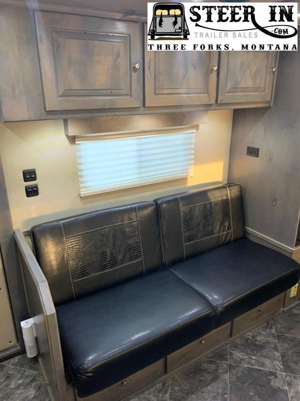 2019 Logan Coach 815 PLATINUM Stock/Combo
