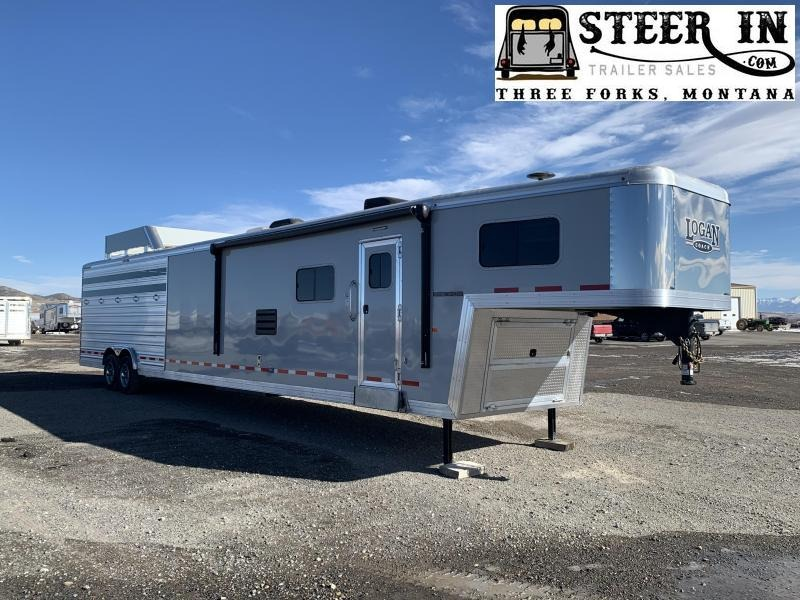 2019 Logan Coach 815 PLATINUM Stock/Combo