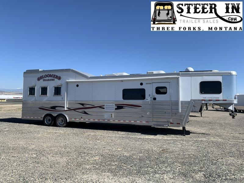 2013 Bloomer 3H Outlaw LQ Horse Trailer