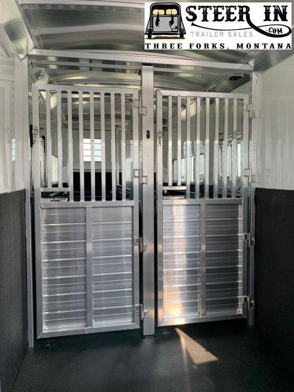 2021 4-Star Trailers 2+1 Runabout Horse Trailer