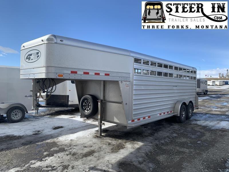 2022 4-Star 20'  Livestock Trailer