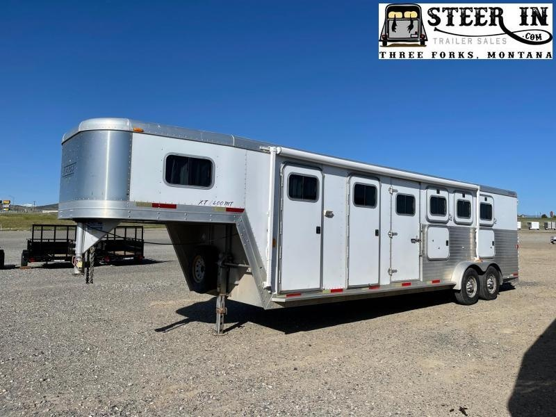 2003 Exiss 4H GN Horse Trailer