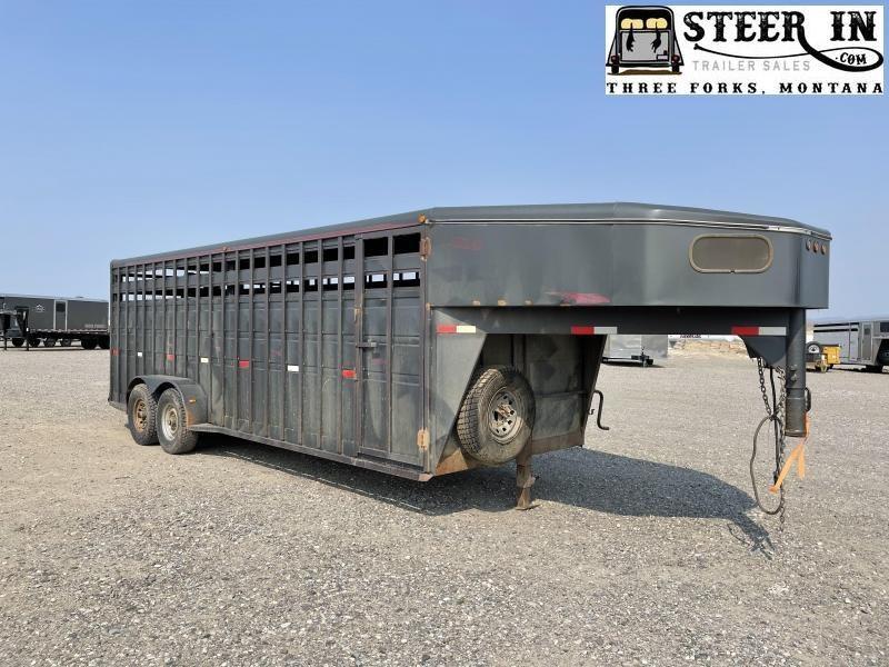 2000 Titan 22' Standard Stock Livestock Trailer