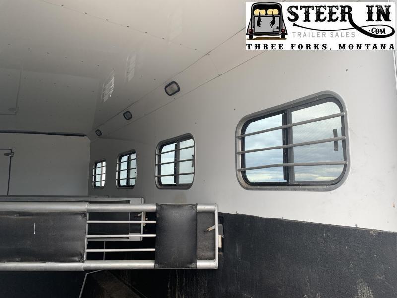 2005 Sundowner 8012 SIERRA LQ/SUNLITE 727 4H Horse Trailer