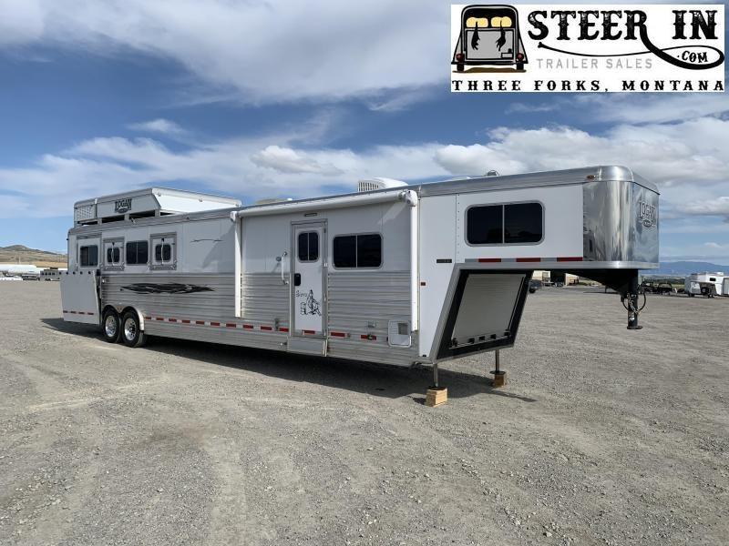 2015 Logan Coach 4H LQ Horse Trailer
