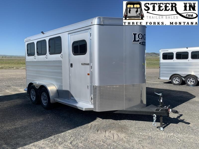 2020 Logan Coach BULLSEYE 3H BP Horse Trailer