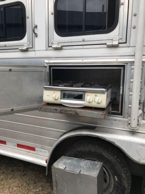2001 Hart Tradition 4 Horse Trailer