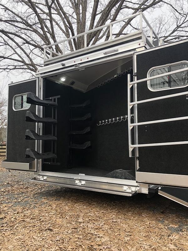 2020 Logan Coach Horse Trailer