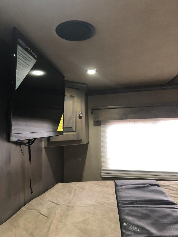 2020 Logan Coach Horse Trailer