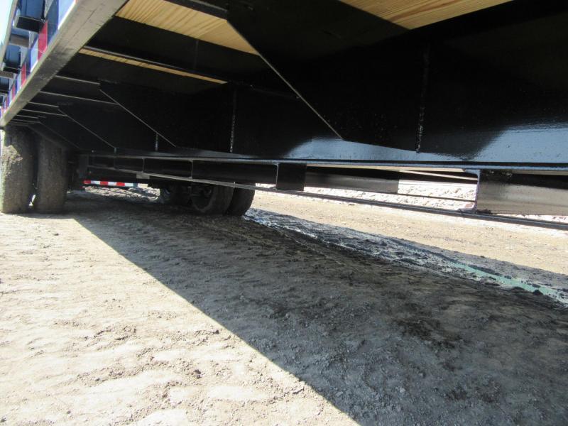 2022 PJ 32' Low-Pro Flatdeck Flatbed Trailer