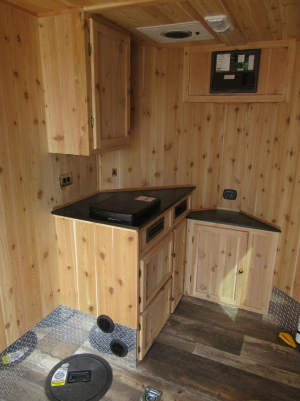2019 6.5'x10' Polar Crib Run & Gun Ice Fish House