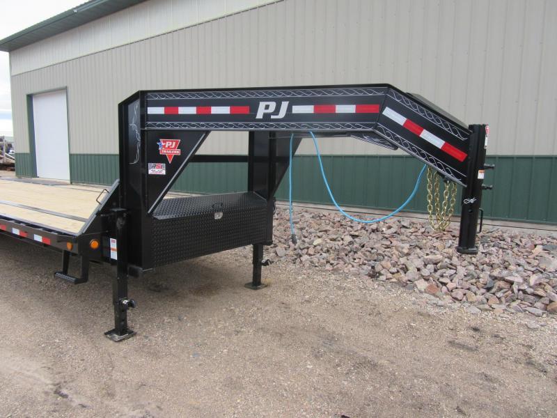 2021 PJ 32' Low-Pro 21k Gooseneck Flatbed Trailer