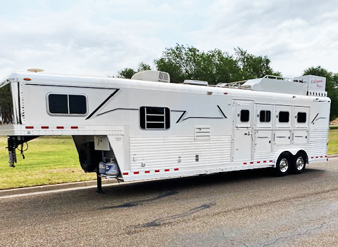 2007 C and C 4 Horse Living Quarters Trailer