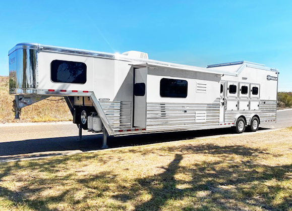 2021 Cimarron 4 Horse Trail Boss Living Quarter Horse Trailer