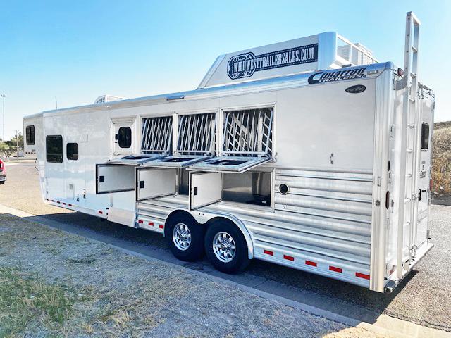 2018 Cimarron 4 Horse Living Quarter Horse Trailer