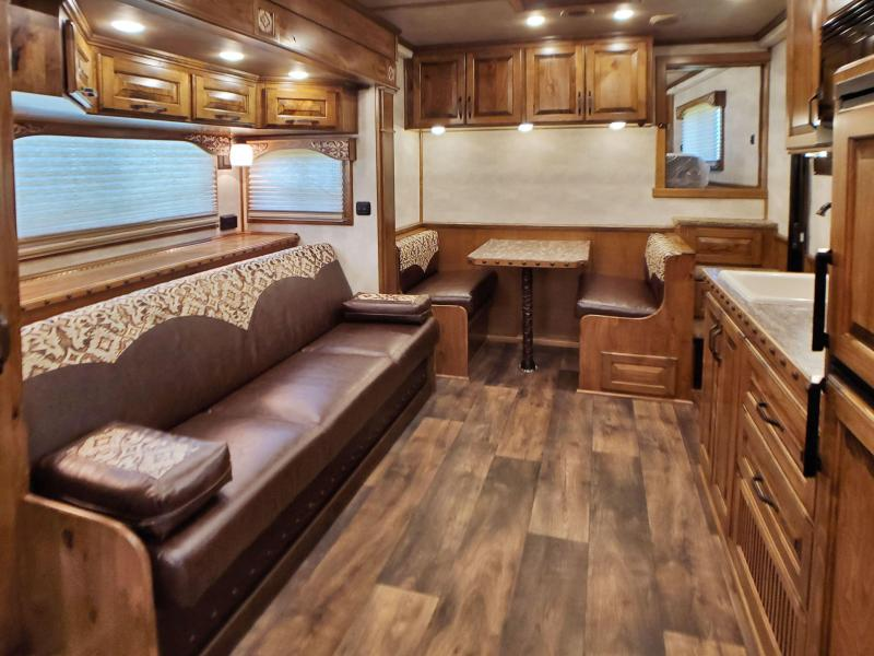 2020 4 Horse Trail Boss Living Quarters Cimarron Horse Trailer
