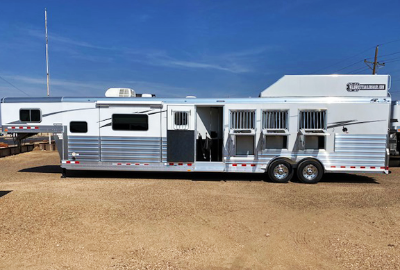 2021 4-Star Trailers Living Quarter Horse Trailers Horse Trailer