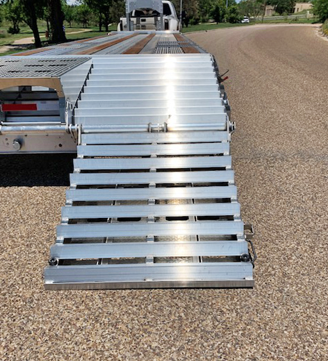 2019 EBY 30' Flatbed Trailer