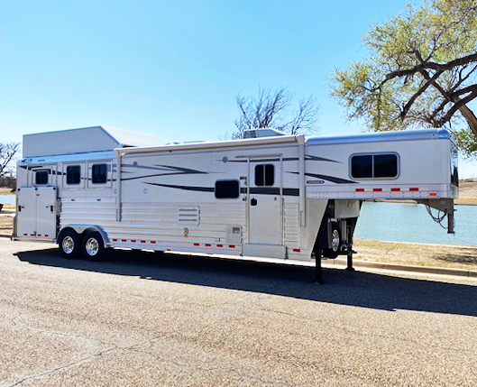 2021 4-Star 3 Horse Living Quarters Horse Trailer
