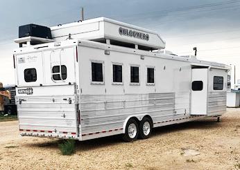 2008 4 Horse Living Quarters Bloomer Trailer