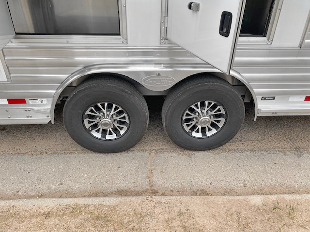 2021 4-Star P/C Load 4 Horse Living Quarters Trailer