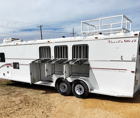 2001 3 Horse Trails West Horse Trailer