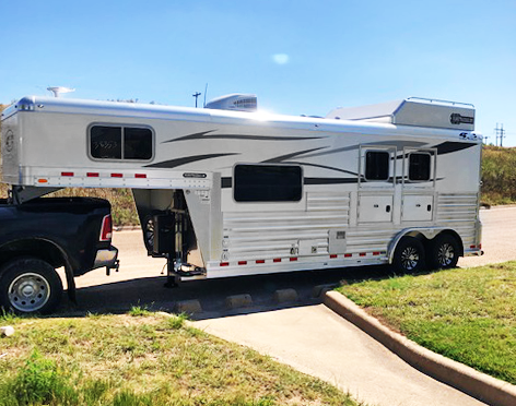 2020 2 Horse 4-Star Living Quarters Trailer