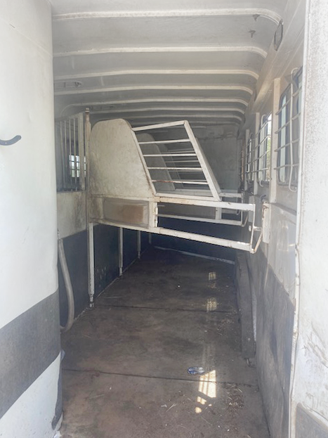 1999 S and H 4 Horse Living Quarters Trailer