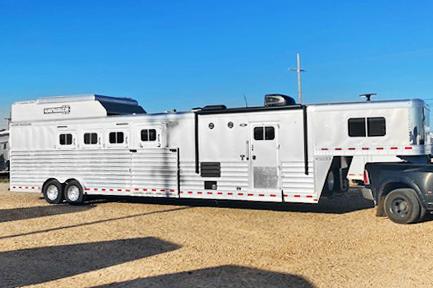 2020 4 Horse Elite Living Quarters Trailer