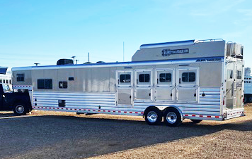 2019 4 Horse Elite Living Quarters Trailer