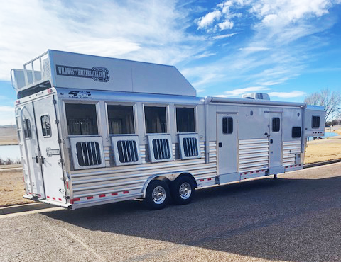 2021 4-Star 4 Horse Living Quarters Trailer