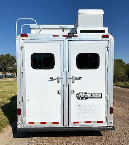 2009 Diamond D 3 Horse Living Quarters Trailer