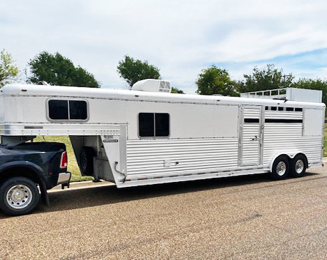 2007 Platinum Coach 3 Horse Living Quarters Trailer