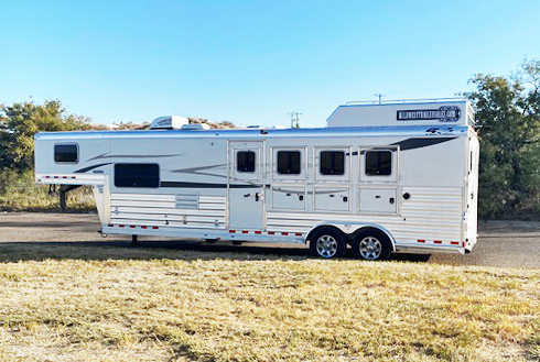 2018 4-Star 4 Horse Living Quarters Horse Trailer