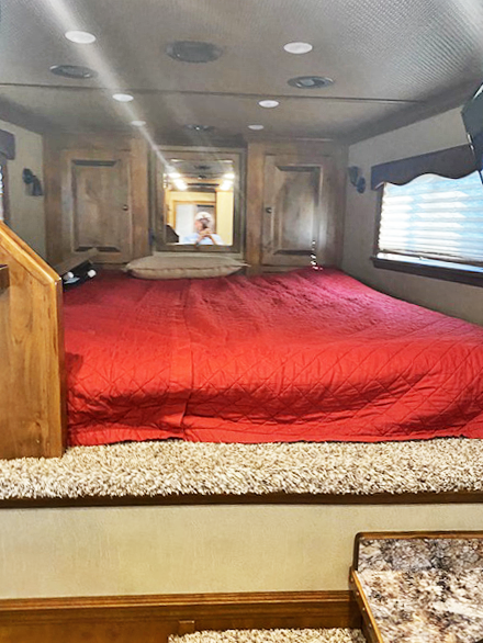 2018 4-Star Trailers Living Quarter Horse Trailers Horse Trailer