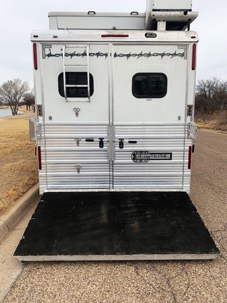 2007 Bloomer 4 Horse Living Quarters Horse Trailer