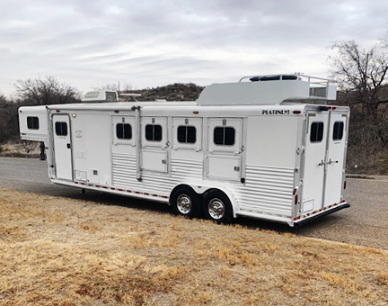2003 Platinum 4 Horse Living Quarters Trailer