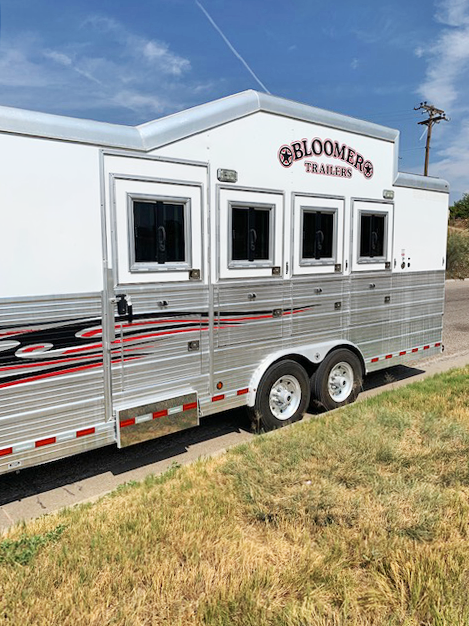 2011 Bloomer 4 Horse Living Quarters Horse Trailer