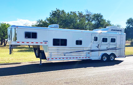 2015 3 Horse Elite Living Quarters Horse Trailer