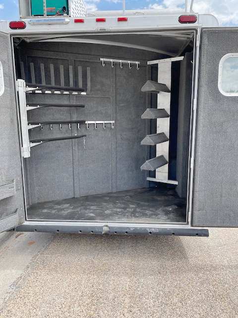 2008 Elite 4 Horse Revers Load Living Quarters Trailer