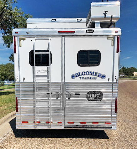 2007 Bloomer 4 Horse Living Quarters Trailer