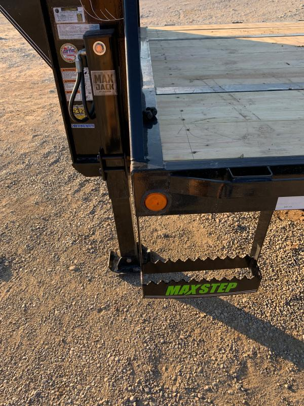 2021 Load Trail 32' low-pro Hydraulic dovetail Flatbed Trailer