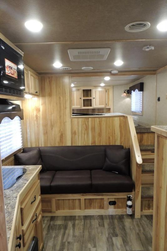 2021 Lakota Charger 8311 SR Horse Trailer