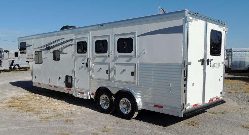 2021 Lakota Charger 8311 SR Horse Trailer