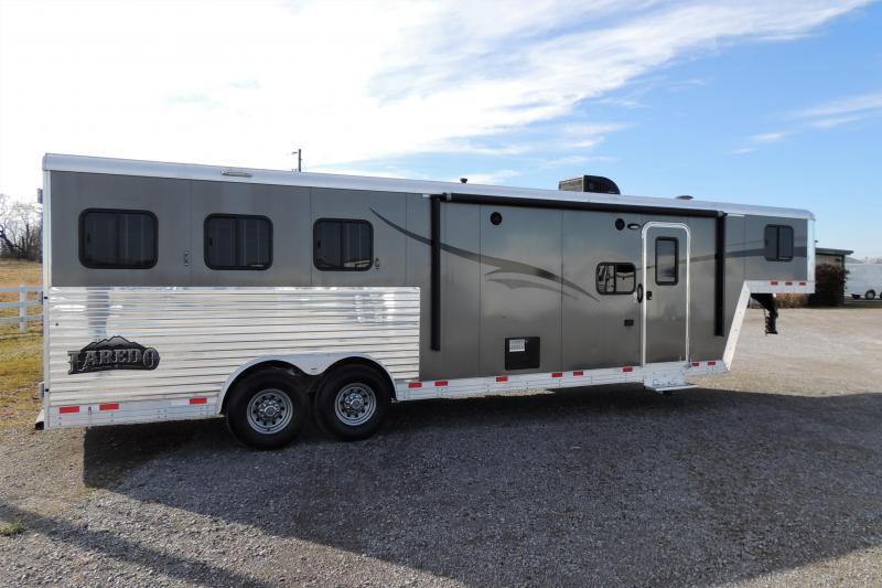 2015 Bison Laredo 8311 Slide Horse Trailer