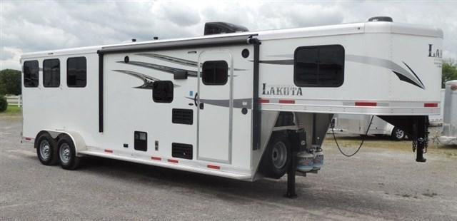 2020 Lakota Charger 309 Horse Trailer