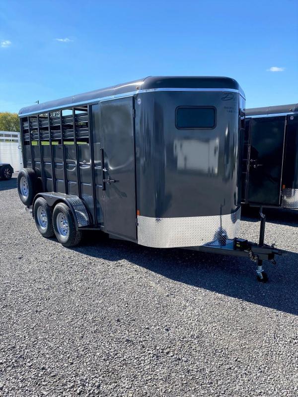 2022 Delta Manufacturing 500 Series 3 Horse Trailer