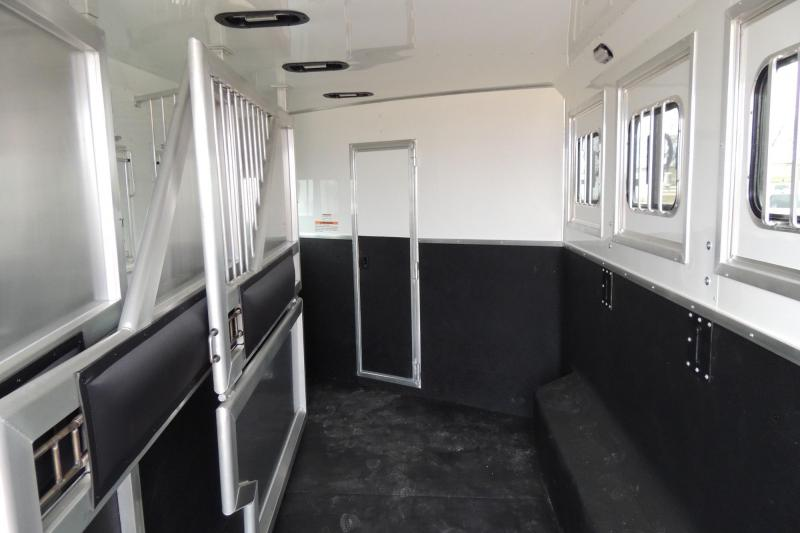 2020 Lakota Charger 8415SR Horse Trailer