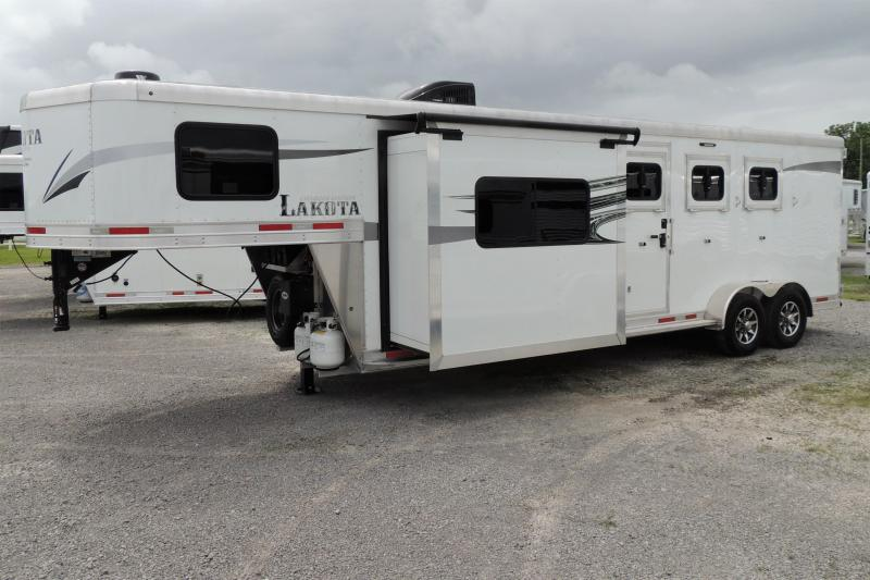 2019 Lakota Charger 309 Slide Horse Trailer